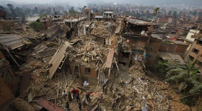 Nepal 7.8 Şiddetindeki Depremle Sallandı!